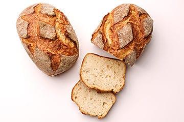 Pain à la semoule de blé dur avec farine ébouillantée